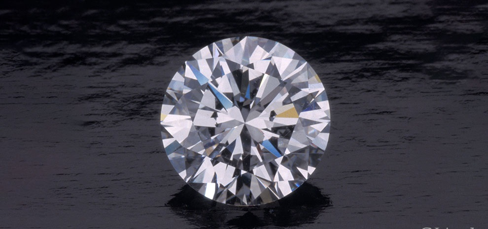 The 4 Cs of Brilliance That Results In a Diamond