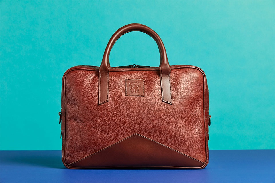 Tips and Advices to Follow While Purchasing a Leather Brief Case