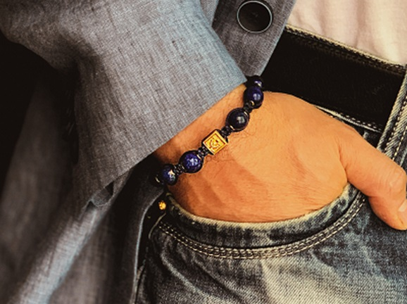 Why beaded stone bracelet for men is a hot trend today?