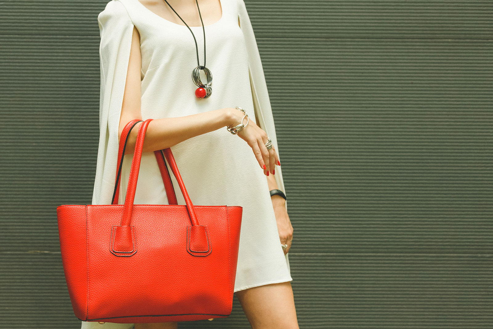 3 Trendy Best Selling Leather Bags You Should Have a Look at
